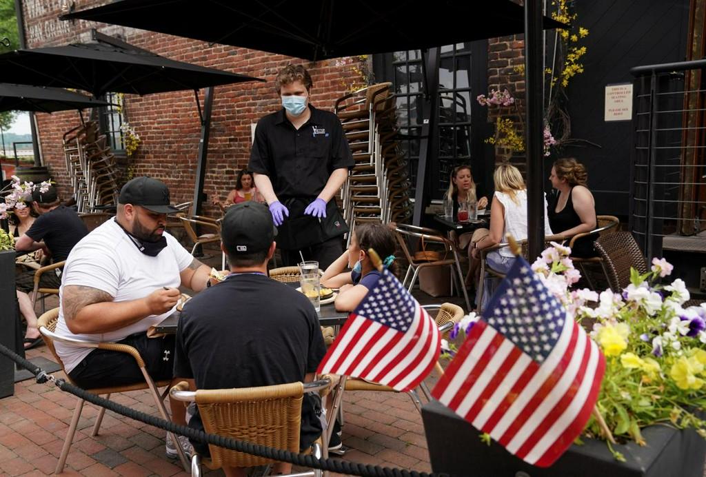 U.S. CDC reports total of 1,737,950 coronavirus cases, 102,785 deaths