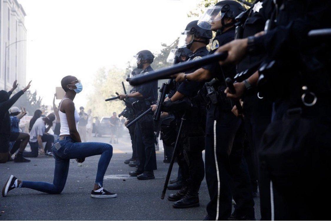 #BlackLivesMatter may all beings be free from danger. 📷: @daisugano at @mercnews