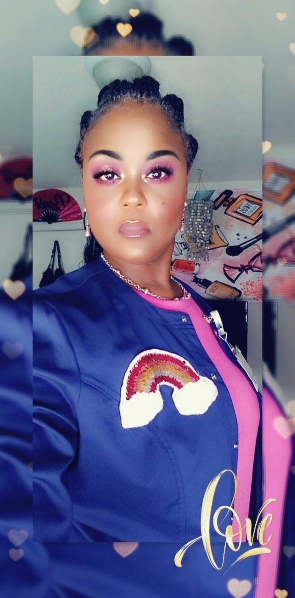 Today's look created using the @ABHcosmetics @norvina Pro Pigment Vol. 4 palette. #makeuplook  #makeup #MakeupAddict #makeupjunkie #Pink pic.twitter.com/yTJavB6p8n