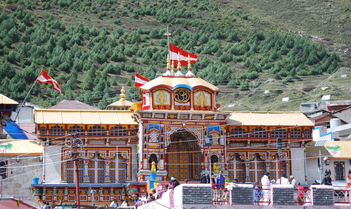 #Facts   She Built #badrinath #Devprayag #Uttarakhand –   Badrinath Temple,  Shri Kedareshwar and Hari Temples,  Dharamshalas (Rangdachati, Bidarchati, Vyasganga, Tanganath, Pawali),  Manu kunds,  Warm Water Kund at Dev Prayag,  Pastoral land for cows  #अहिल्यादेवी_होल्कर_जयंती https://t.co/JAVIa16Sjs