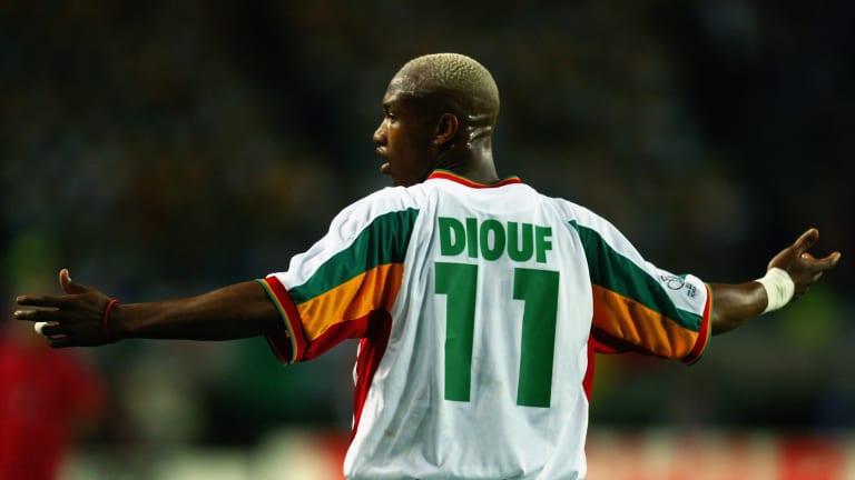 #FootArt : Certes, ce match nest pas une victoire en finale de Coupe du Monde, mais cest la rencontre qui a révolutionné le football sénégalais. Le 31 Mai 2002, le Sénégal prenait le dessus (1-0) sur la France, en ouverture du Mondial au Seoul World Stadium (Corée du Sud).