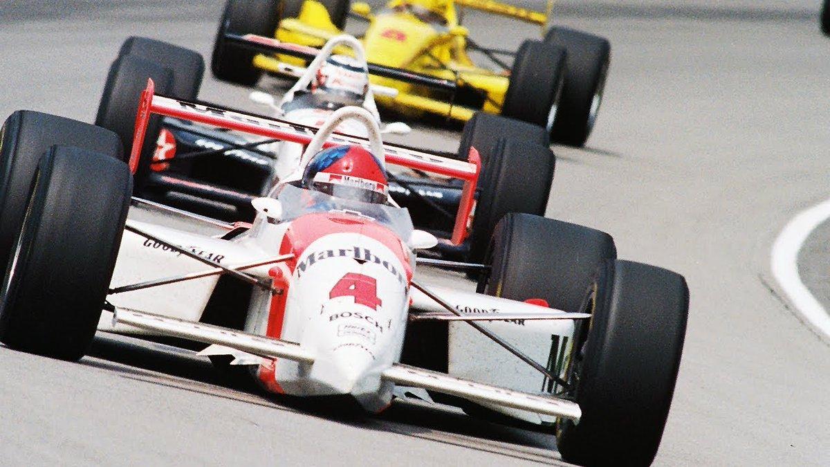 #NesteDia Em 1993, @emmofittipaldi venceu a #Indy500 pela segunda vez.  Largando na nona posição, o brasileiro assumiu a liderança apenas na volta 185 para conquistar a vitória. #IndyNoGP  📸 IndyCar https://t.co/w2qCX8TVnx