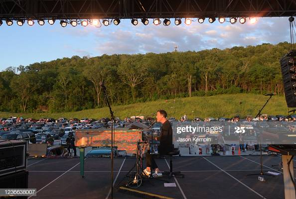 Christian artist Michael W. Smith performs at his drive-in concert at Williamson County AG Expo Park in Franklin, Tennessee  More  #MichaelWSmith  https://bit.ly/36RDKAr  #DriveIn #DriveInConcertpic.twitter.com/45vmrHJp1F