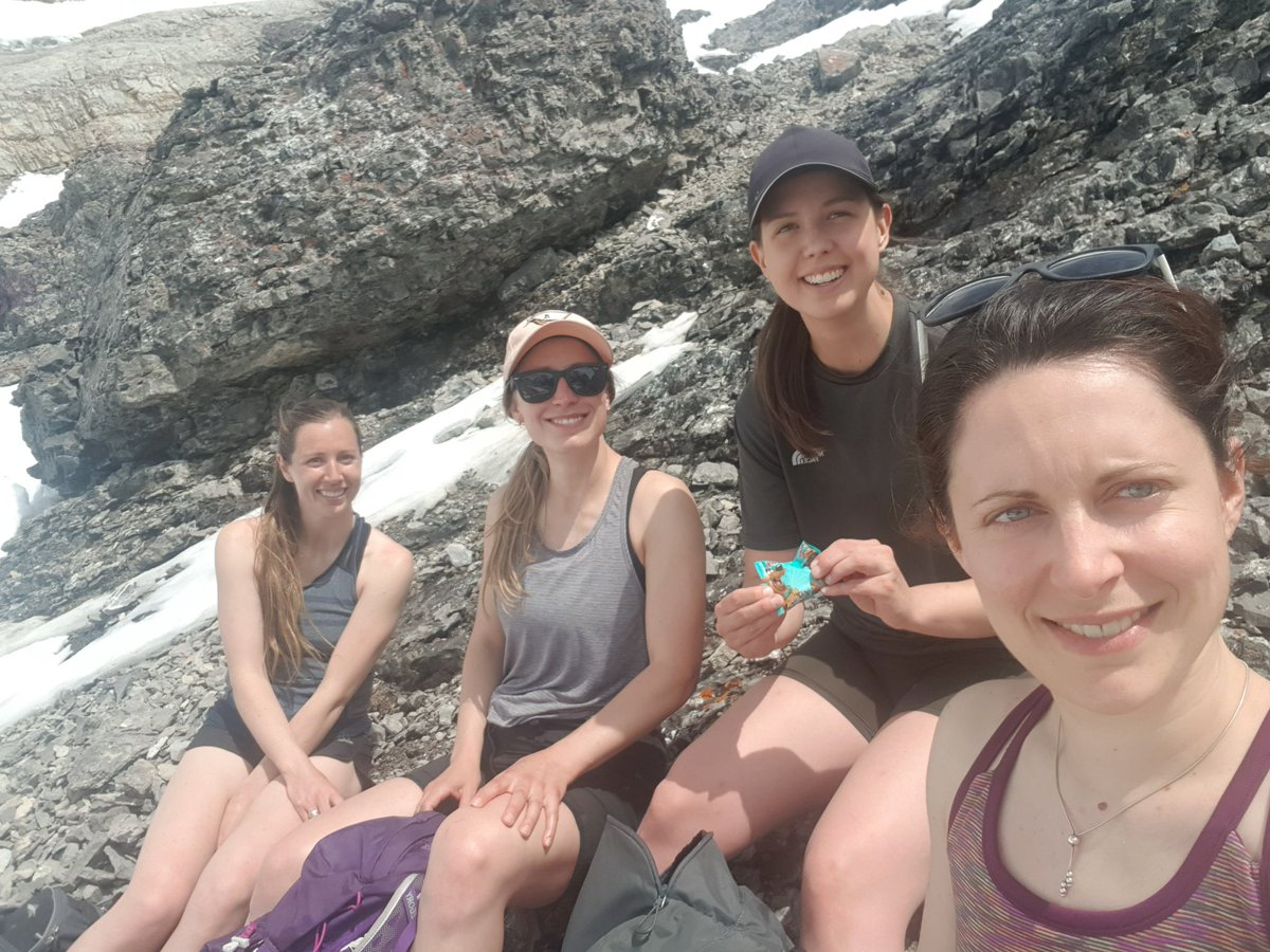 4 besties and Mt Peter Lougheed. What an epic day. Unfortunately we couldnt summit due to class 1 avalanche happening above us and a very unstable snow pack! But still got 12 km and 1000m elevation done.