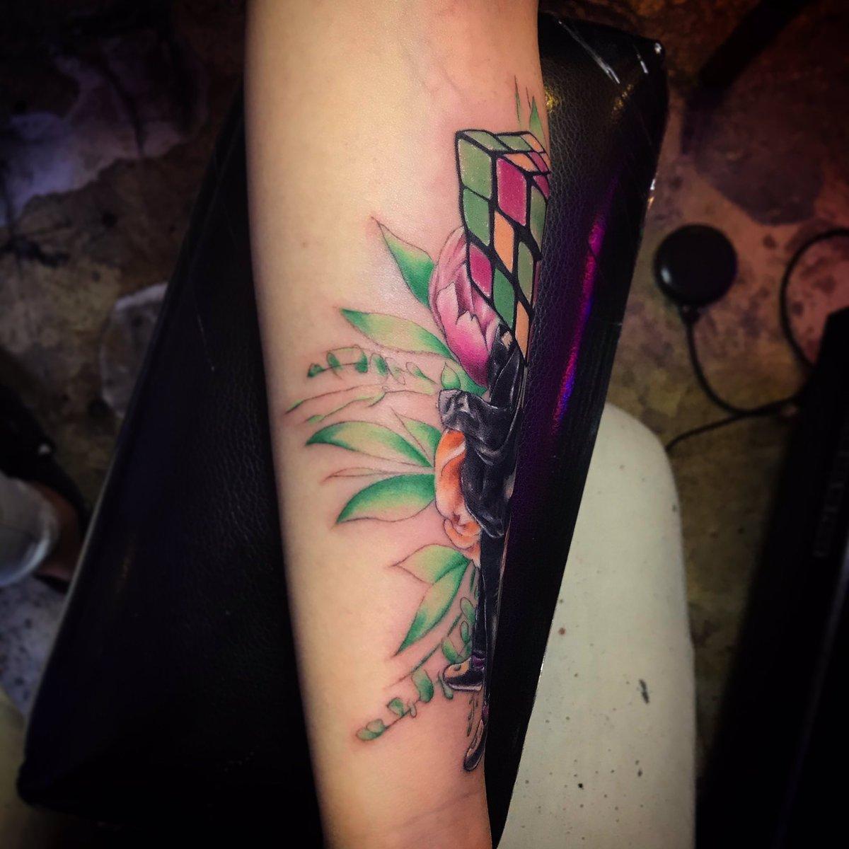 #tattooideas #tattooing #tattoostyle #tattoomodel #tattooed #tattooedgirls #tattoolife #tattooer #tattooart #tattoodesign #drawing #drawings #刺青 #紋身 #香港紋身店 #香港紋身 #hongkong #hongkongtattoo #hktattoo #hktattooshop #artist #art #artwork #tattoosleeve #tattoo2me