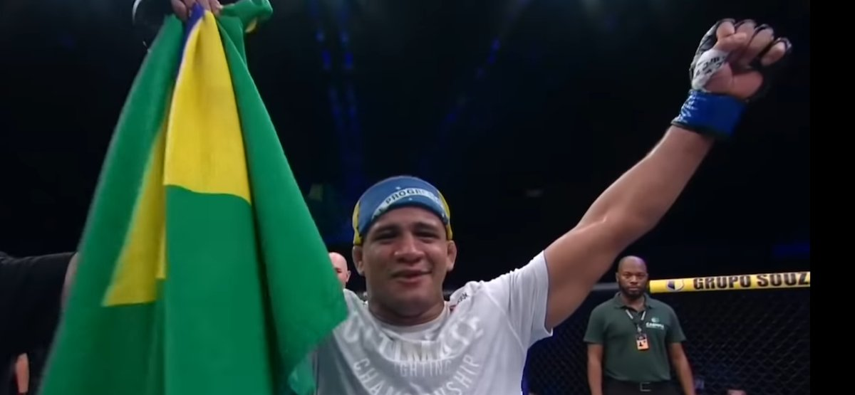 #UFC Vegas: Gilbert Burns Continues Rise up WW Ranks, Dominates Tyron Woodley - https://t.co/WFa0Hn3vcY #UFCVegas https://t.co/VgCxcxVIV4