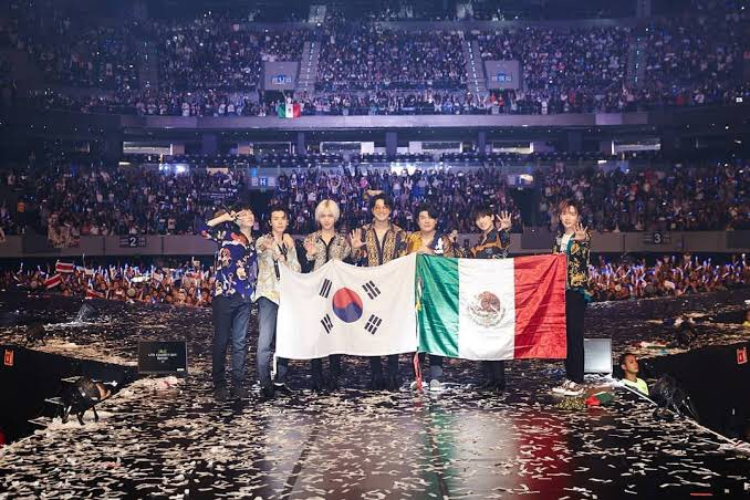@SJofficial ELF México 🇲🇽🇲🇽🇲🇽 los ama y aquí vamos juntos 💙💙💙💙💙 #Beyond_The_SUPERSHOW  #SUPERJUNIOR_BeyondLIVE     #SUPERJUNIOR     #BeyondLIVE     @SJofficial https://t.co/XooPlKUC4W