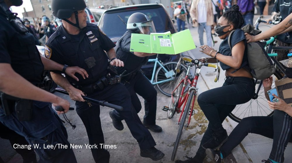 A confrontation between protesters and the police in Flatbush, Brooklyn, on Saturday https://t.co/thOWq6p1JN https://t.co/KOXPq0d6Kg