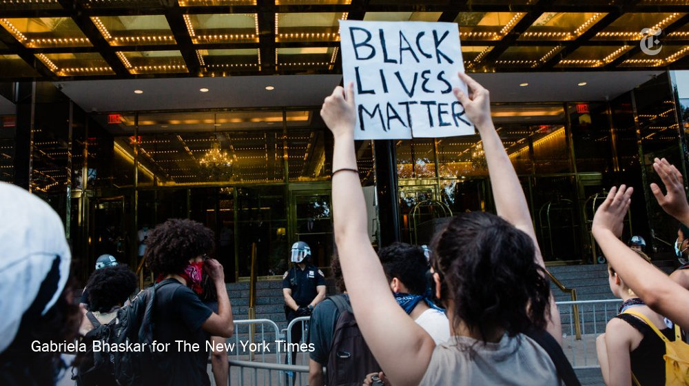 There were at least 7 arrests outside Trump Tower, in Midtown Manhattan, on Saturday https://t.co/thOWq6p1JN https://t.co/h7r9RwT4Xr