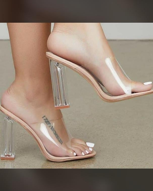 Hello beautiful people . I have heels for sale and guess what it so affordable! Kindly retweet my customer ca be on your TL. DM to order, nationwide delivery  https://wa.me/233552189632 #fellowghanaianspic.twitter.com/o0NLdbxSPY