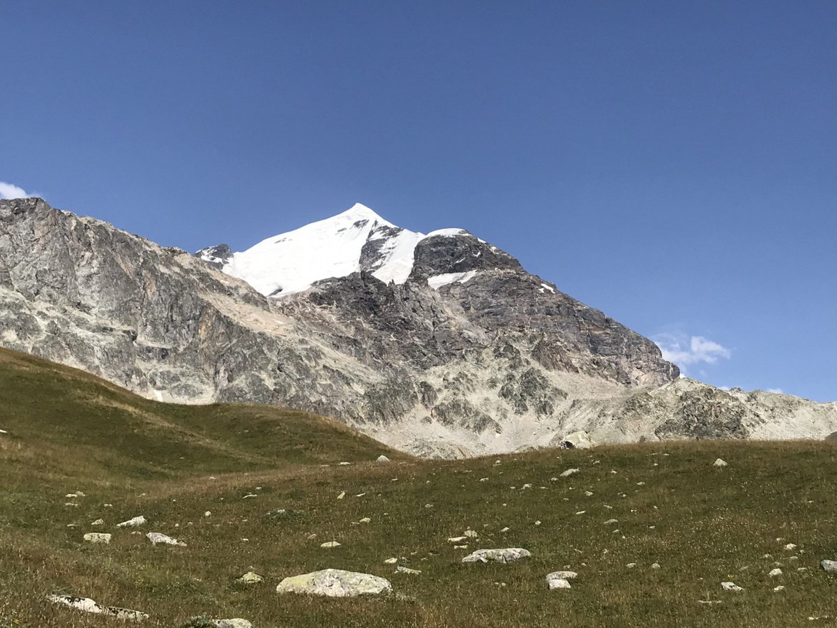 Come and climb in the amazing mountains of Georgia!  Layla Peak and Tetnuldi - taking bookings now!  #mountaineering #caucasus   https://t.co/U9gymCAEzF https://t.co/0NaEA5oQ1H
