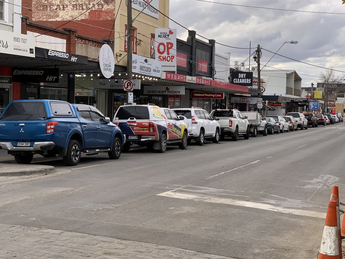 You know what would make it easier to #shoplocal whilsy the works are on? If your tradies didn't take all the street parking pic.twitter.com/tAzWaDQAdI