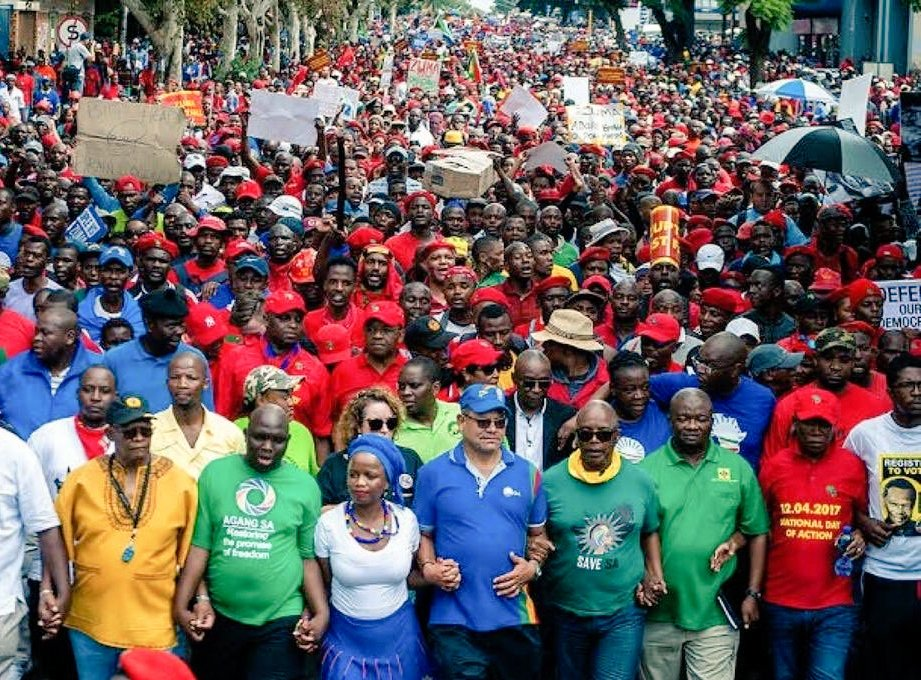 After this Stellenbosch funded march:  •Cyril was pushed to be President  •Unemployment shoot up •More white people started getting emboldened and in charge  •Black CEOs were removed; victimised  •Eskom was badly run - loadshedding  •SAA collapsed •Recession and downgrades <br>http://pic.twitter.com/6IHzHXVpXM