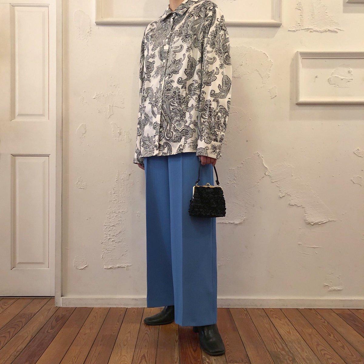 本日入荷  ▶︎Vintage Paisley Cotton Shirt ▶︎Vintage Wide Slacks ▶︎Vintage Leather Heel Boots  #modefashion #streetfashion #harajuku #tokyofashion #funktique #funktiquetokyo  https://instagram.com/p/CA13GlEFkdq/pic.twitter.com/W8fjVsV4cI