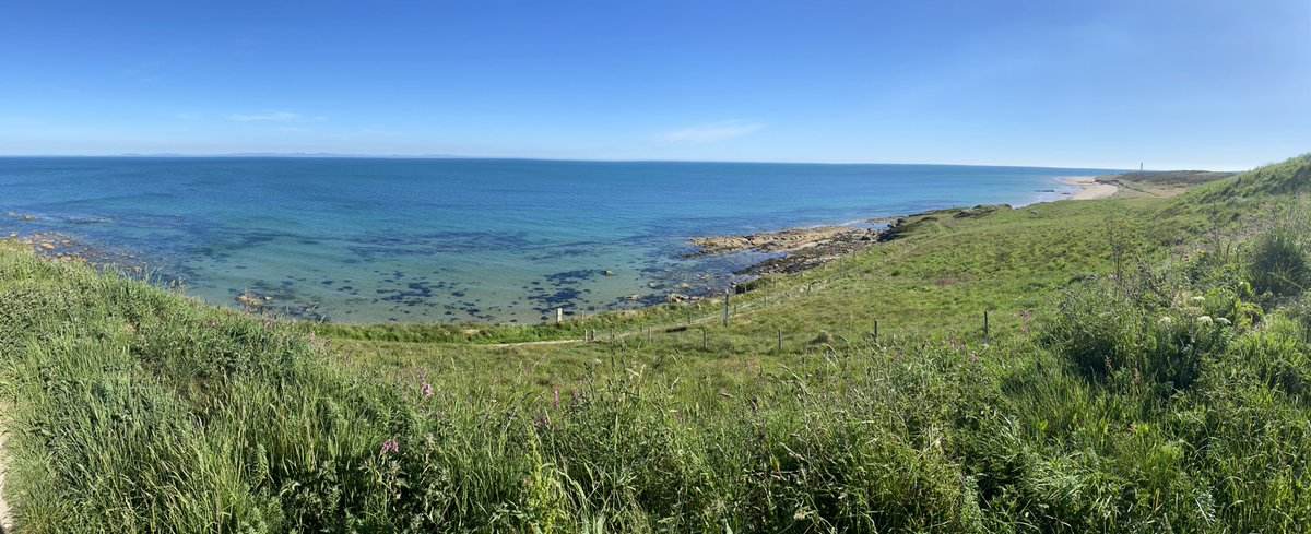 Head north a mile or so and find the Moray trail, down the hill on the bike and cycle along the beach past Covesea lighthouse! https://t.co/RiFdMcvqEz