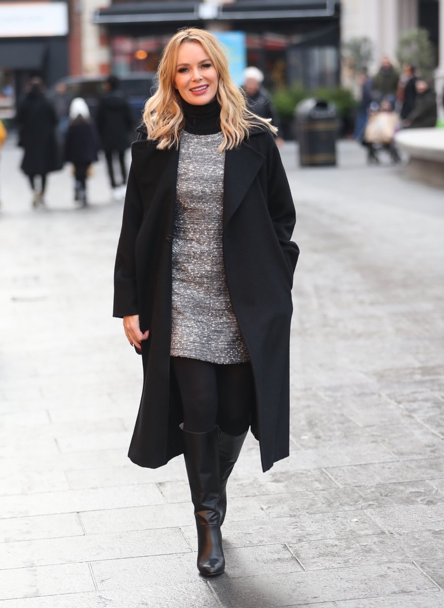 Amanda Holden looks wonderful in her leather boots #sexy #boots pic.twitter.com/ejSpSrsESL