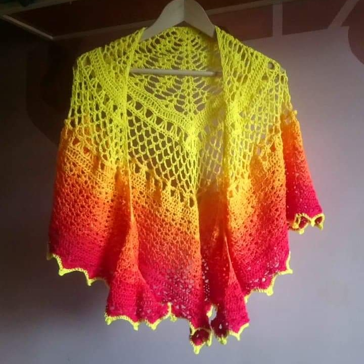 Selling this shawl for £65 Inc UK p&p Check out insta for more details https://www.instagram.com/p/CAzlxUbBQPm/?igshid=zqrg6bet7tic… #shawl #crochet #phoenixpic.twitter.com/vsPw06GPlU