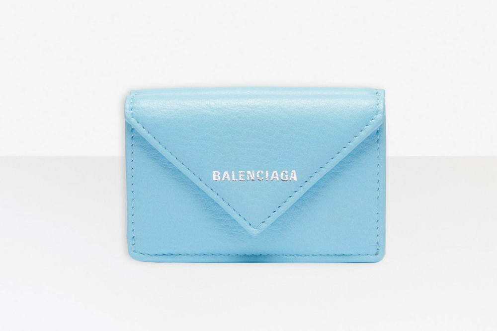 バレンシアガのおすすめ「ウィメンズ・ウォレット」人気ミニ財布など、20年最新ラインナップを紹介 -