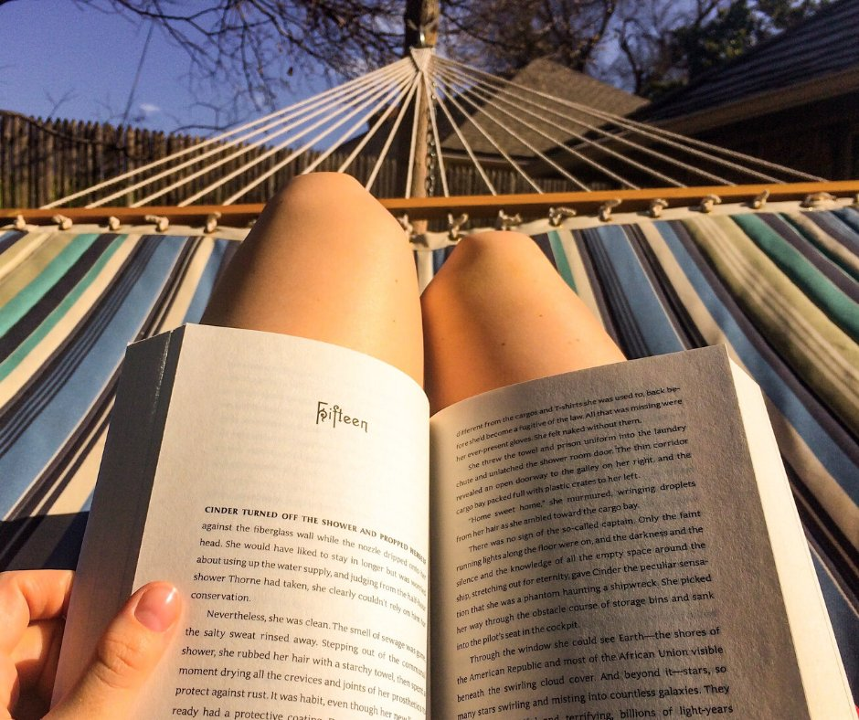 What books have you been reading recently? We would love to hear your recommendations!#SundayMorning #Sunday #weekend #garden #books #reading #book #BookWorm #camper #campervan #motorhome #photograph #photography #hammock #relaxing #relax #vanlife pic.twitter.com/9hj5Rdp1Ma