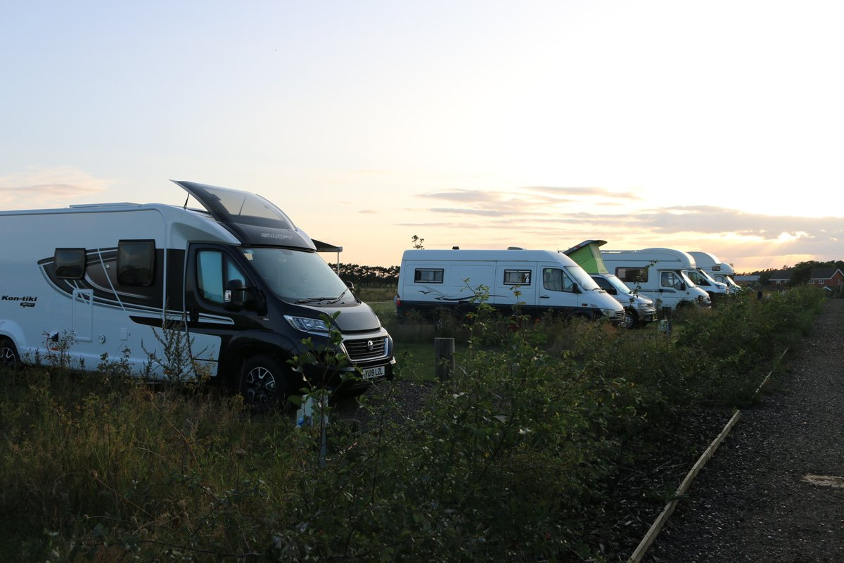 Thinking of taking your first steps into #motorhome ownership? Here's some handy buying advice. http://ow.ly/29aQ50zSf1v #motorhoming #staycation #vanlife pic.twitter.com/q5qIUqAQg7
