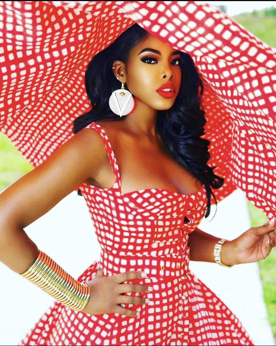 Stripes are a staple in your wardrobe, they are classic like leopard and camo.  @snobbacademy  @iamjuju_  #nigerianstyle #fashionista #follow #africanskillingit #bbnaija #nigerian #nigeria #lagos #naija #africa #nigerianwedding #abuja #fashion #african  #fashionblogger https://t.co/yWiXIum9Qu