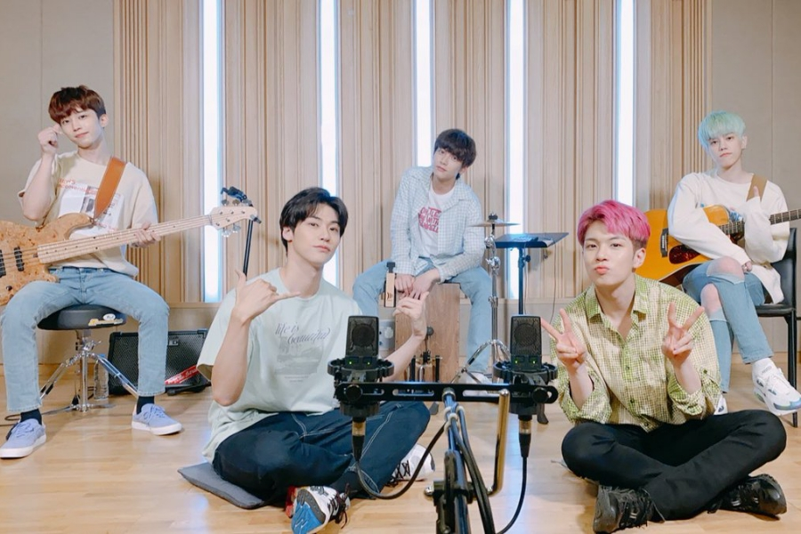 """#NFlying Reveals Teaser Schedule For """"Oh really."""" Comeback  https://www. soompi.com/article/140319 7wpp/n-flying-releases-teaser-announcing-first-comeback-with-new-member  … <br>http://pic.twitter.com/UI1yZtJMA1"""