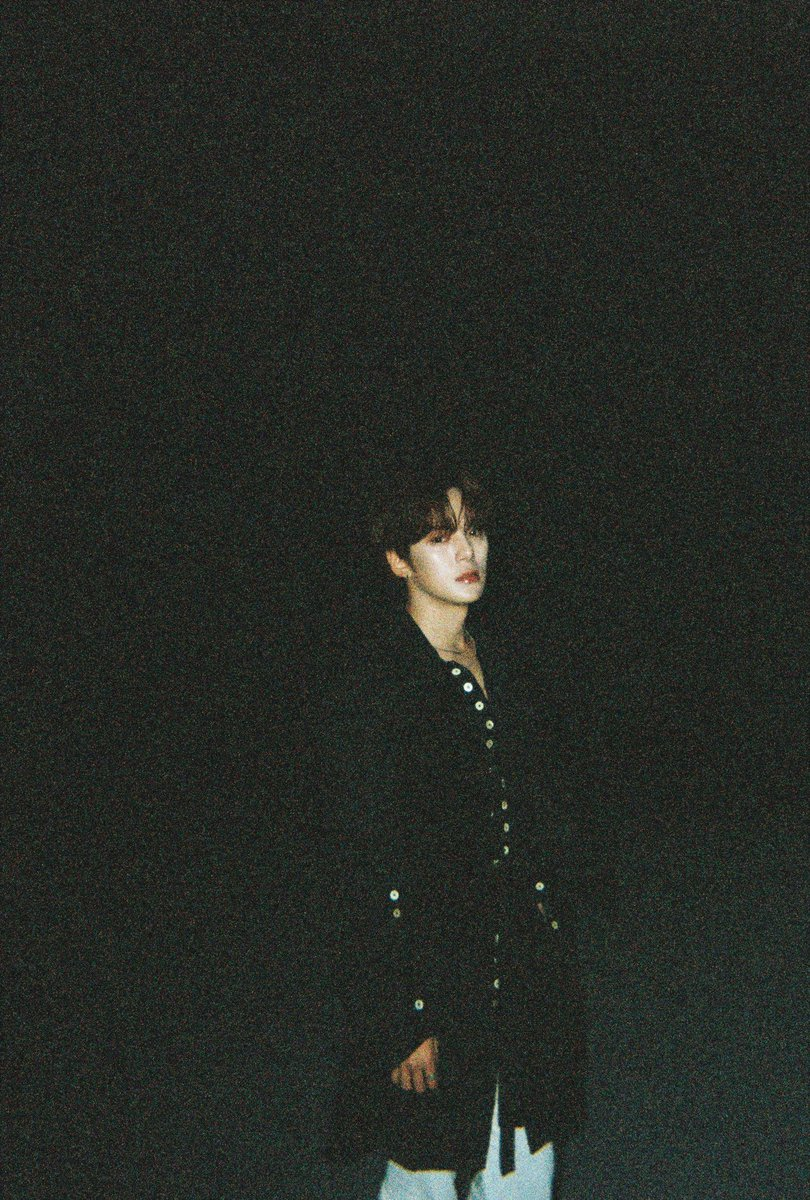 these photos... wow... they're about to go down in history... Minhyuk's look is so powerful and stunning wow @OfficialMonstaX #MONSTAX_FANTASIApic.twitter.com/TbTczT3edy
