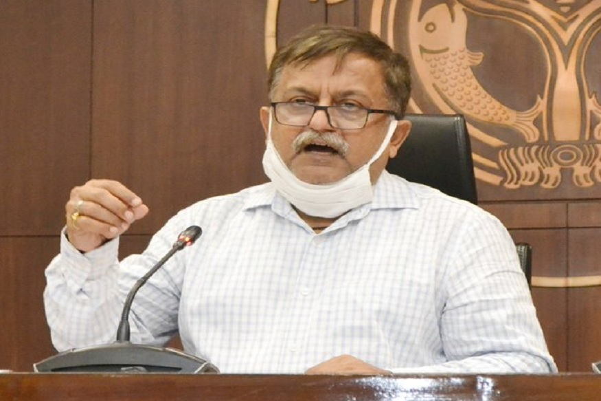 #NewsAlert -- All government offices will operate with 100 per cent workforce. Staggered timings will be followed - 9 AM to 5 PM, 10 AM to 6 PM and 11 AM to 7 PM: UP Additional Chief Secretary (Home), Awanish Awasthi  #UnlockingIndia<br>http://pic.twitter.com/ftZpH6p5TA