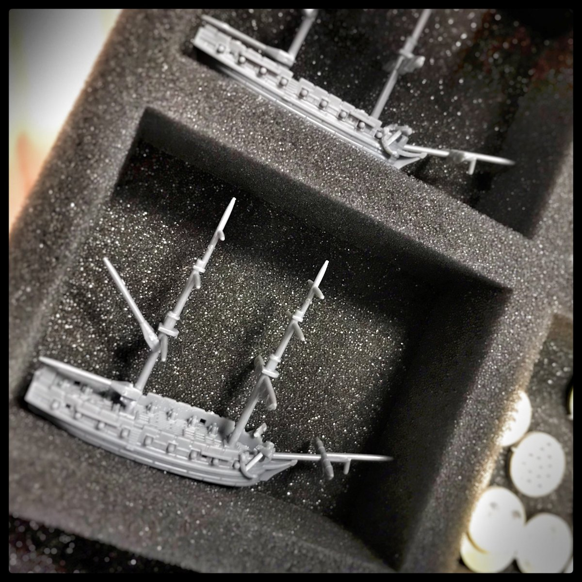 The sea is not the only danger to your fleet. 🌊 With our new storage and transport solutions for #BlackSeas ⛵your ships are well equipped for the threats on land. ➡️ https://t.co/3XbpS8Q9iG  #warlordgames #tabletop #wargaming #masterandcommander #ageofsail #battlegame https://t.co/wALwDtKzfF