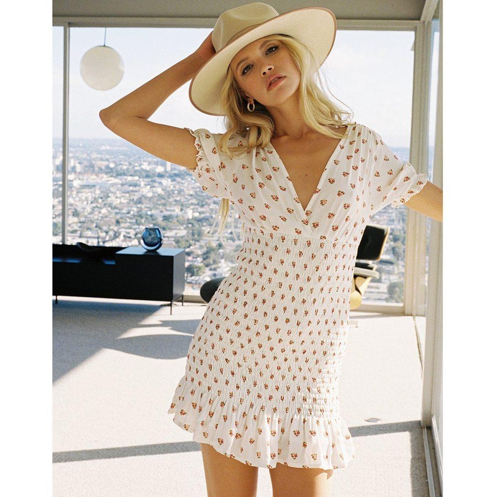 Tap https://shortlink.store/01-TlYN45  to shop V-Neck Elastic Smocked Puff Sleeve Frill Hem Floral Print Boho Mini Dress . . http://www.klozetstyle.com #klozetstyle #style #fashion #outfit #shop #cuteoutfit #womensclothingpic.twitter.com/rewMJGtOfA