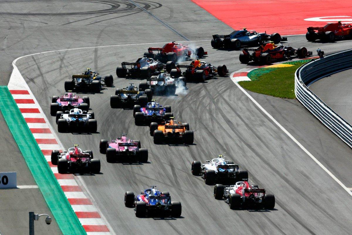 #F1 | Mercedes protege su hegemonía: es el único equipo que se opone a la parrilla invertida  ➡️ https://t.co/o77lmckZ34  #Fórmula1 #ParrillaInvertida #Mercedes #Clasificación #F12020 @MercedesAMGF1 @F1 https://t.co/0Mnto5R7pz