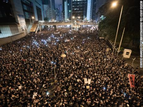 Hong Kong won't fall, But RISE AGAINST.  #反送中 #香港 #香港反送中 #國安法 #港版國安法  #FreeHongKong #HongKongProtests #Hongkong #HongKongSecurityLaw #RiseAgainstCCP https://t.co/l8DddlRxK9