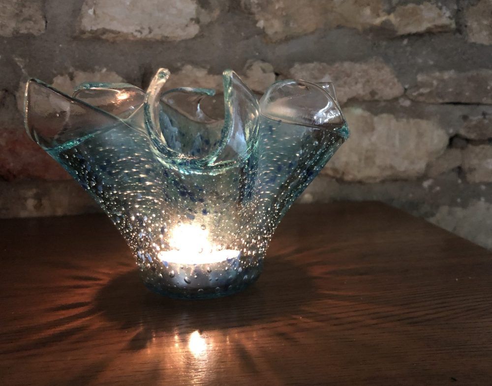 Bubble Candle Holder Glorious during the day, as it catches the sunlight and at night as the bubbles and coloured glass diffract the light of a candle. £25  Buy direct from the artist. More information in our Escape the Ordinary #onlineexhibition: https://lovewhatslocal.co.uk/bubble-candle-holder/…pic.twitter.com/KggUnYh2pM