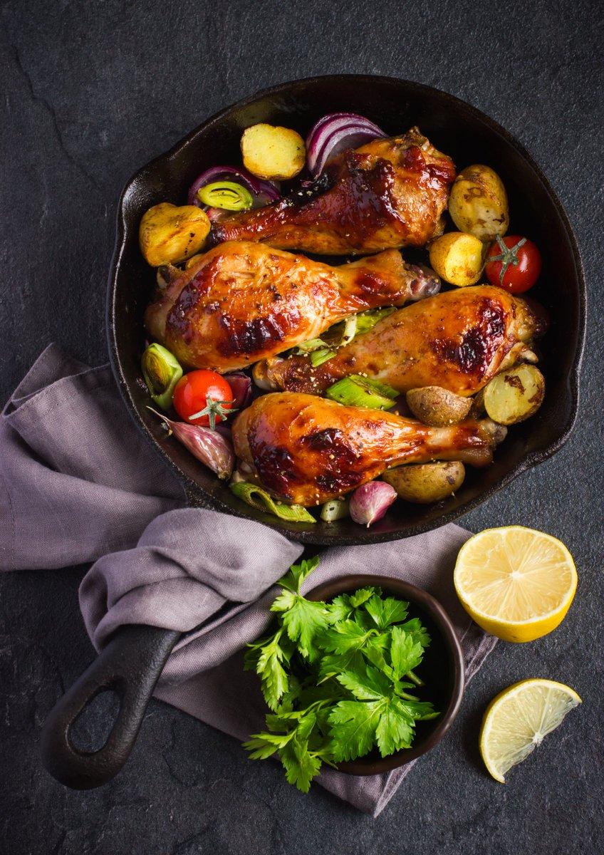 Roast chicken drumsticks in honey BBQ sauce  Recipe link in bio  . - #dreamafrica #recipeoftheday #lunch #weekend #sunday #cooking #foodie #fitfoodie #foodphotography #recipespic.twitter.com/WdIVdXHeVR