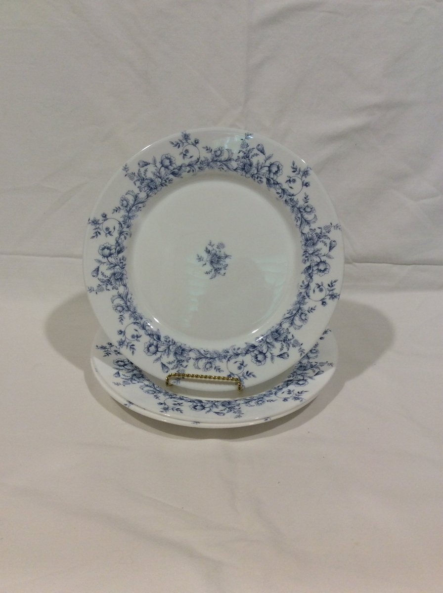 Excited to share the latest addition to my #etsy shop: Set of 3 Vintage Arcopal Glenwood Dinner Plates Made in France Replacement Discounted Discontinued VintageFindsFound Blue and White Glass https://t.co/OL61st6RBJ #white #anniversary #easter #blue #glass #vintagearc https://t.co/AwSGsDY3Y1