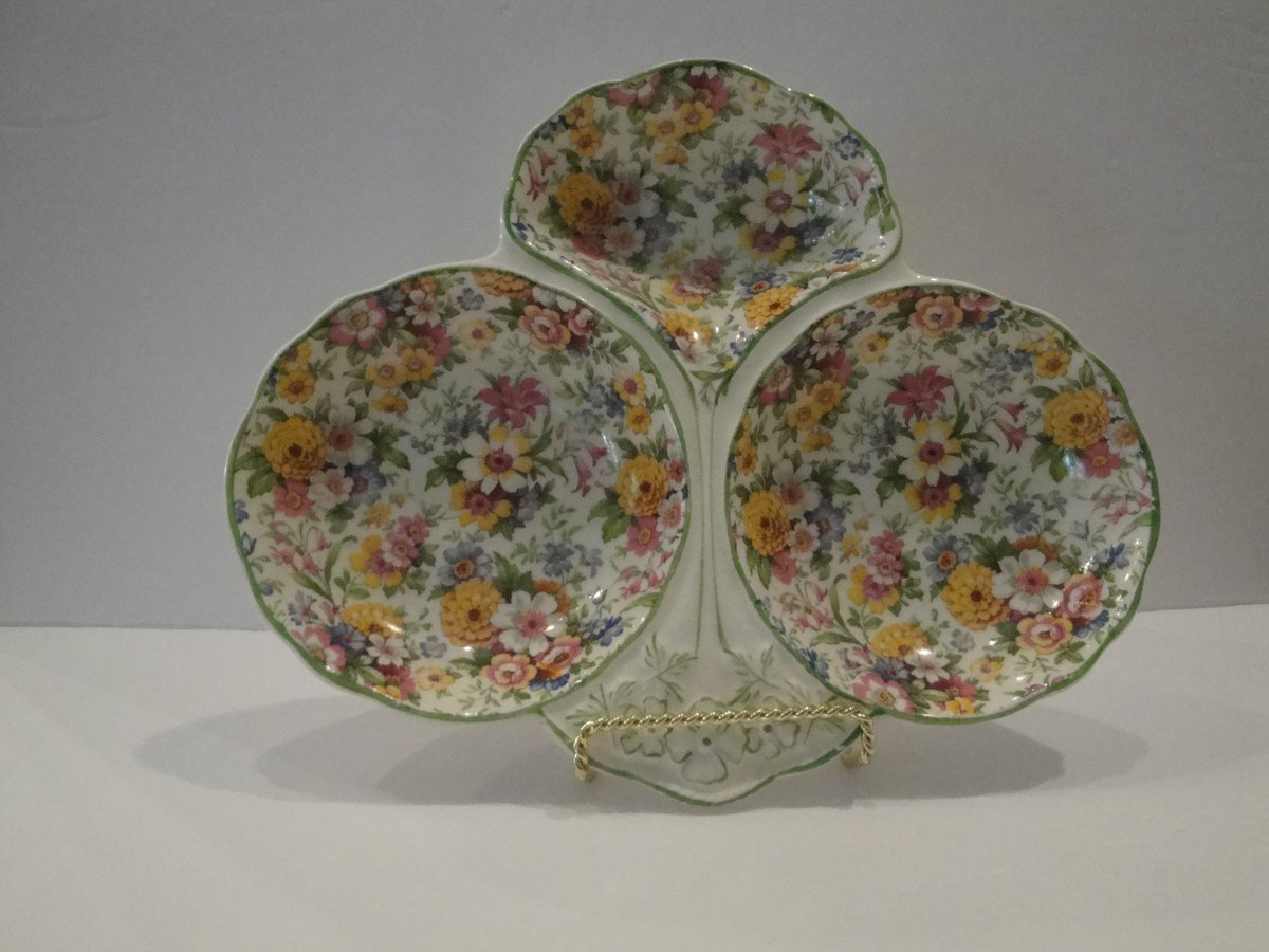 Excited to share the latest addition to my #etsy shop: Vintage James Kent LTD. Mille Fleurs Chintz Triple Tray Made in Great Britain Replacements Discontinued Rare Antique https://t.co/dqZiTE9tCW #white #birthday #easter #yellow #vintagefindsfound #antique #vintage #ch https://t.co/SmM12XYNkG