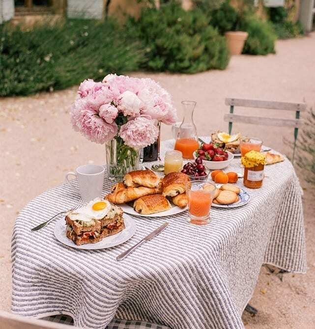 Good Morning!! Had breakfast yet? I'm still deciding what to have. QOTD: What's your go to breakfast? What's your special day breakfast? .... #sundaymotivation #sundaymornings #breakfast #coffee #torontojewelry https://instagr.am/p/CA2lBhPHiOV/pic.twitter.com/Gp5Yn7YUpJ