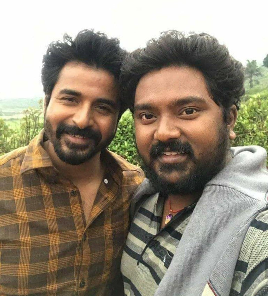 #Unseen picture of  @Siva_Kartikeyan anna  And @Bala_actor brother   #Ayalaan #DOCTOR   @AllIndiaSKFC @AnandSkfc @vimalraj9524 @Mersalsiva__  @SK_Designed_ @Online_SkFcpic.twitter.com/4G1AgPgUFs