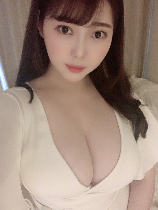 グラビアアイドル伊川愛梨のTwitter自撮りエロ画像26