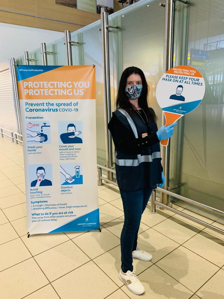 Our #Covid19 monitors are walking the floor to assist all Airport users  and passengers to ensure safety compliance. #WeAreHereToHelp call on our #Covid19 Monitors. #ProtectingUProtectingUSpic.twitter.com/M3dENupnMj