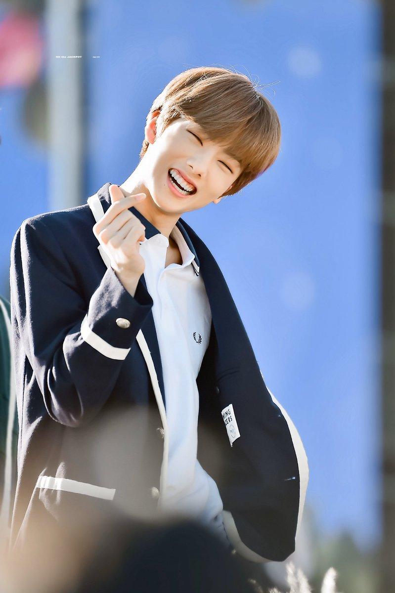 HaPPy Children's Day My little Baby my jisung >3<,,, #지성 #JISUNG #박지성 #NCT #NCTDREAM pic.twitter.com/0SEojCOqhV