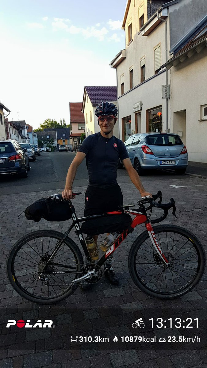 Inspired by @alex_howes, #gravelriding Germany ! @PolarGlobal @CastelliCycling @Mavic @VittoriaTires https://t.co/2mq9sT3R5x