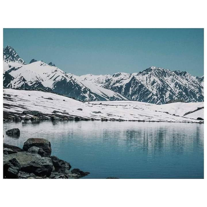 Nundkol Lake... :: Pic by @Javid86283209     #photography  :: #jktourismofficial #kashmir #trek #alpinelake #mountaineering https://t.co/Kv2RYMPA26