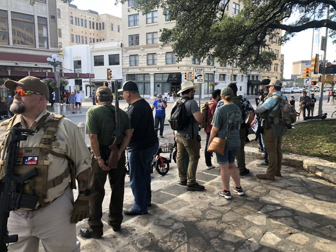 v0loU47w ARMED TEXANS DEFEND ALAMO MONUMENT AMID CIVIL UNREST [your]NEWS
