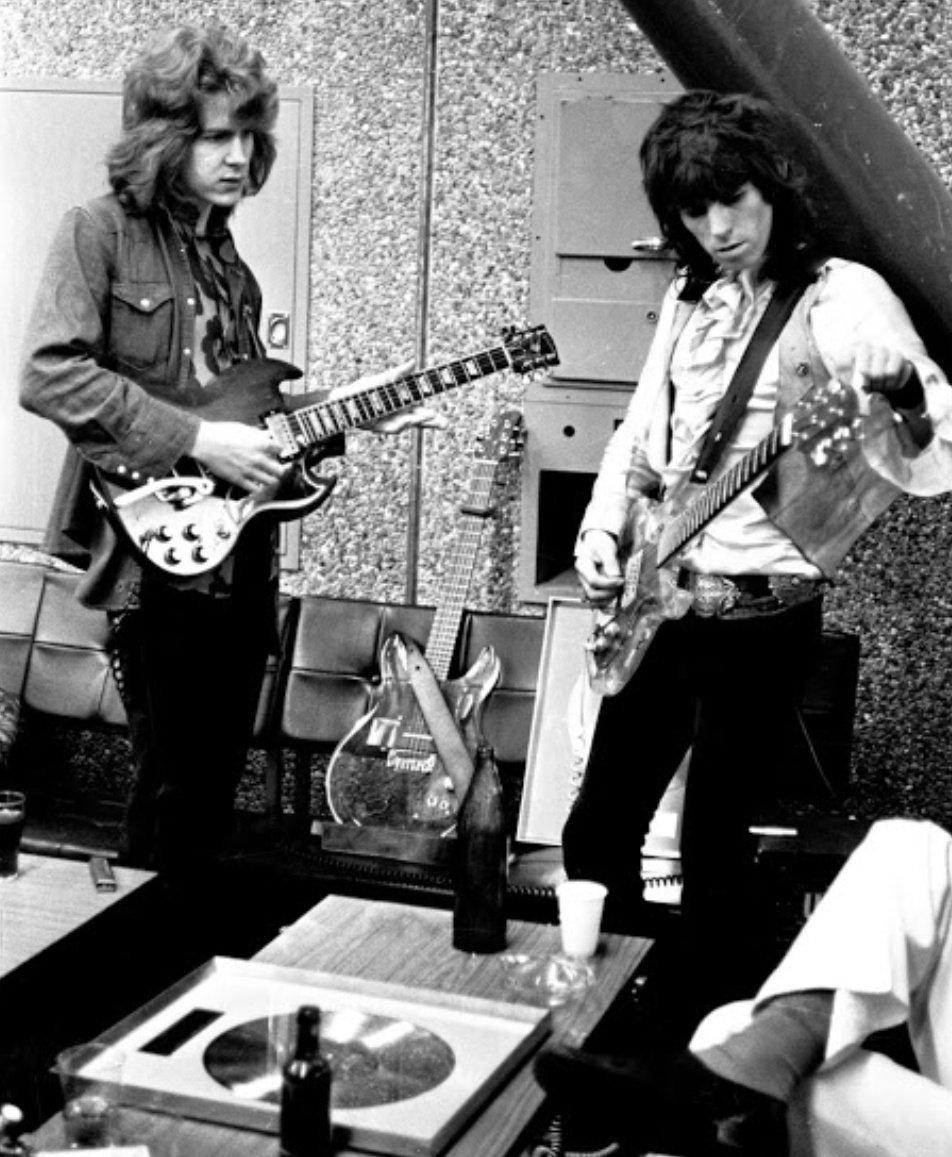 """Efemerides #Filosofía #Rock El 31 de mayo de 1969. #Mick #Taylor comenzó a grabar con los @RollingStones, tocando en """"Live with Me"""". Mick Taylor había sido guitarrista de John Mayall & The Bluesbreakers. https://t.co/Xs8K3rSoHH"""