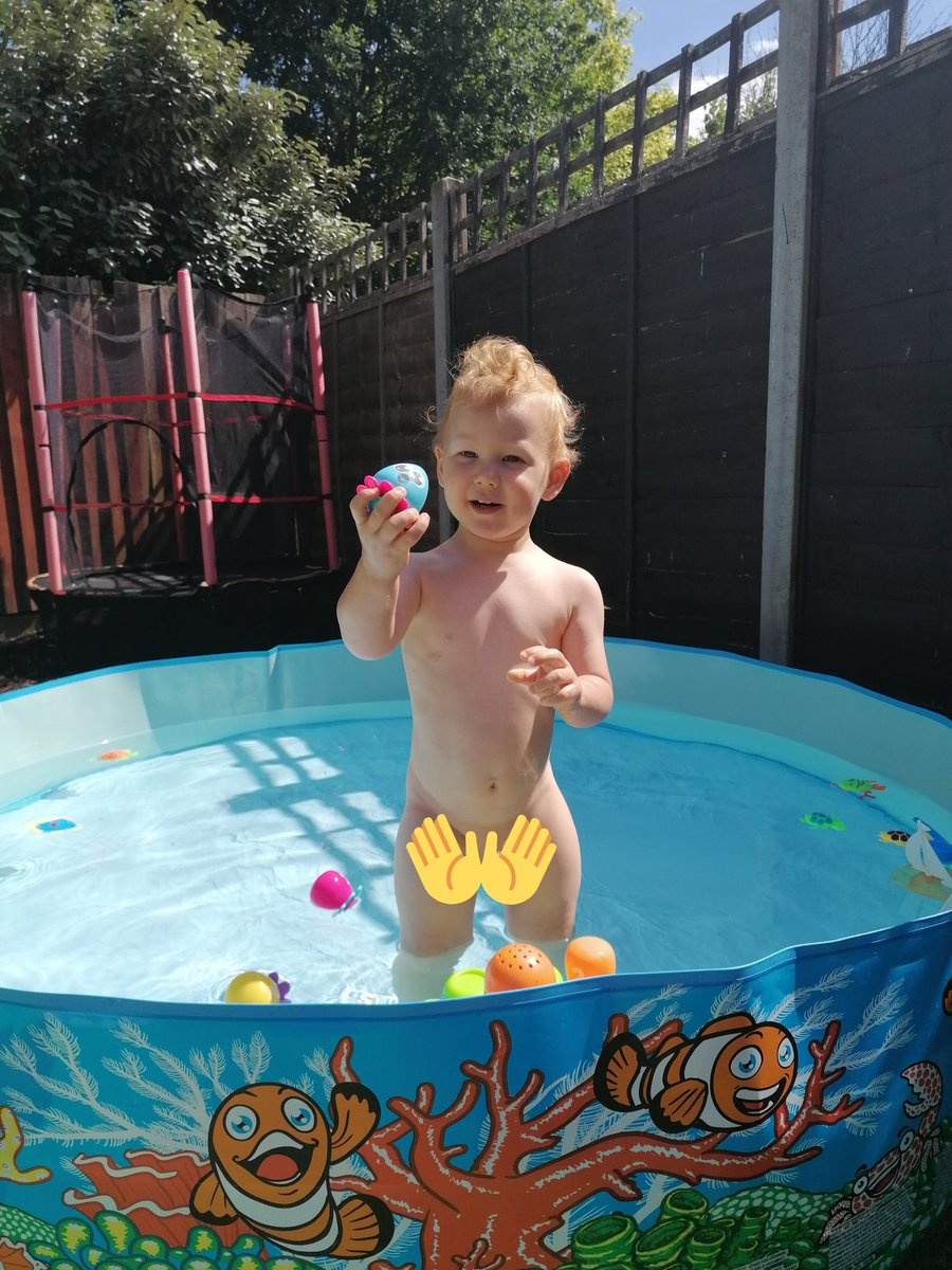 When you're having a cry because your little man asks to get out the pool to have a wee in his potty for the first time #proudmum #growinguptoofast pic.twitter.com/1HyybFVh1n