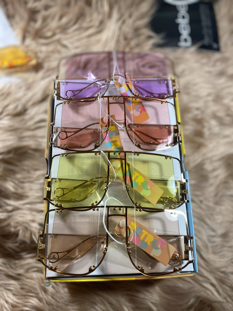 Bernice $20.00  Swipe for colors  Available online now —————————————————- #shades #sunglasses #sunglassfashion #fashion #leiajadore #likeforlike #shadesfordays #smallbusiness #ceo #womeninbusiness #sundayfunday #accessories #localbusiness #delawareboutique #philadelphiaboutiquepic.twitter.com/CFIzMNp3BJ