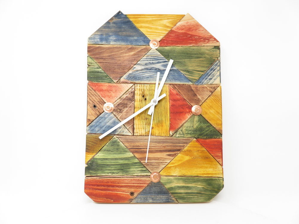 Colourful Block Clock I had been making something that left me with a lot of triangular offcuts of similar sizes. And yhe Block Clock evolved. £55  Buy direct from the artist. More information in our Escape the Ordinary #onlineexhibition: https://lovewhatslocal.co.uk/colourful-block-clock/…pic.twitter.com/19854HUzm4