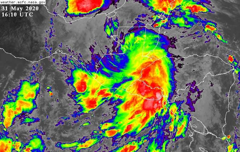 Asi el clima para este día tome medidas de precaución #Guatemala #ClimaGT #Amanda https://t.co/PbWUcvAinW