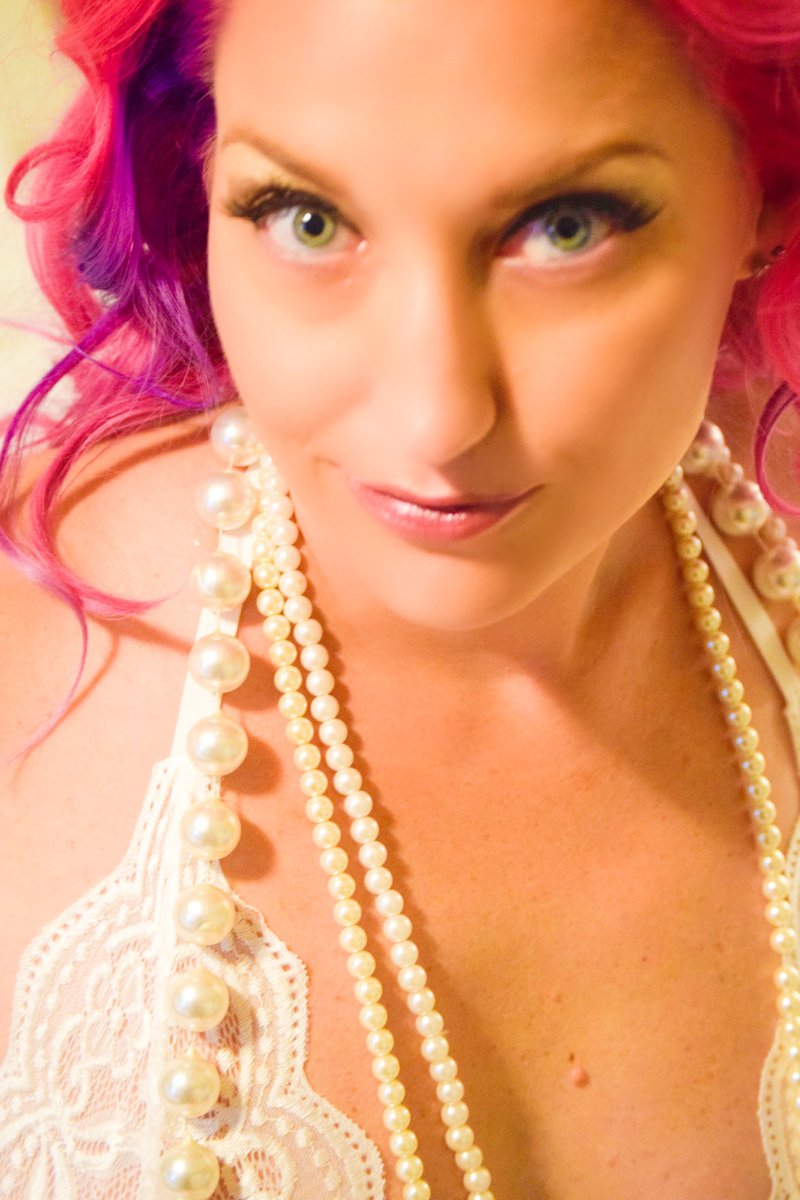 #pinkhair #goddess #pearls #greeneyes